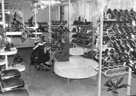 ARH Slg. Bartling 689, Marktstraße 24, Schuhhaus Denecke, Inhaber Fr. Wiebking, 1972