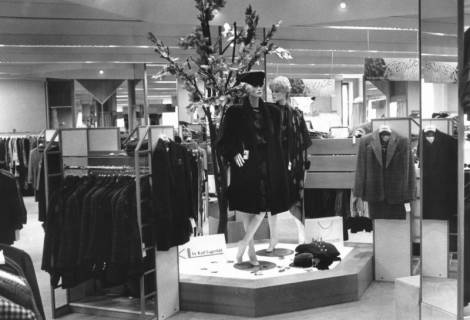 ARH Slg. Bartling 697, Marktstraße 10, Modehaus Ohlau & Hemme, um 1970