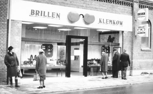 ARH Slg. Bartling 717, Marktstraße 12a, Fachgeschäft Brillen Klemkow (Könecke), Augenoptikermeister Friedrich Klemkow, 1969