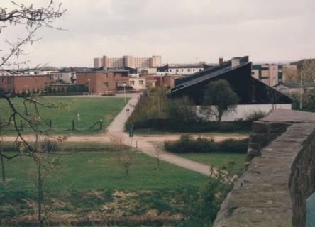 ARH Slg. Bartling 783, Silbernkamp, Blick von der Schlossbastion über das Wohngebiet nach Süden zum Kreis-Krankenhaus, um 1980