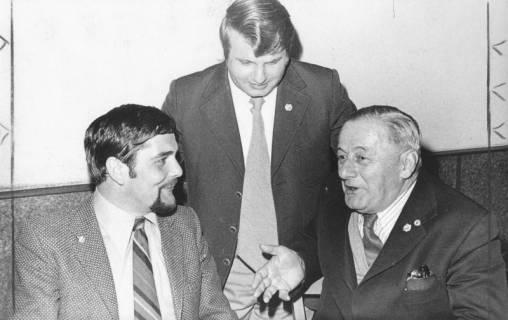 ARH Slg. Bartling 1966, Gruppenporträt der neuen Vorstandsmitglieder des FC Wacker, Neustadt a. Rbge., 1974
