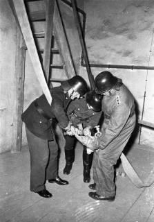 ARH Slg. Fritsche 52, Feuerwehrübung im Kirchturm, Burgdorf, ohne Datum