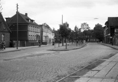 ARH Slg. Fritsche 56, Bahnhofstraße mit Blick zur Marktstraße, Burgdorf, ohne Datum