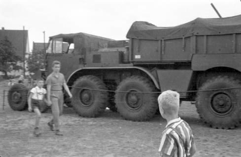 ARH Slg. Fritsche 60, Werbeschau der Bundeswehr auf dem Schützenplatz, Burgdorf, zwischen 1965/1970
