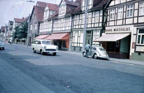 ARH Slg. Fritsche 88, Blick auf die Marktstraße von Poststraße Richtung Kirche gesehen, Burgdorf, ohne Datum