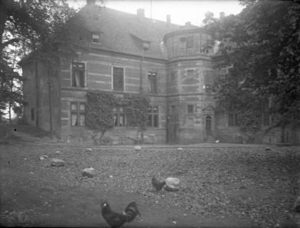 ARH Slg. Grabenhorst 17, Innenhof des Schloss Landestrost mit Blick auf Nordflügel, Neustadt a. Rbge., vor 1924