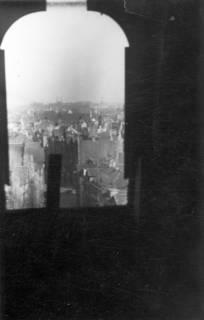 ARH Slg. Janthor 0010, Blick vom Dachfenster der Marktkirche, Hannover, 1944