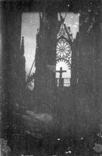 ARH Slg. Janthor 0018, Ausgebrannte Marktkirche nach einem Angriff, Hannover, 1944