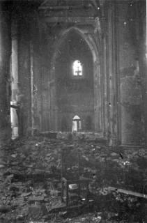 ARH Slg. Janthor 0019, Ausgebrannte Marktkirche nach einem Angriff, Hannover, 1944