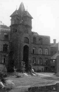 ARH Slg. Janthor 0032, Marienröder-Turm in der zerstörten Innenstadt, Hannover, 1945