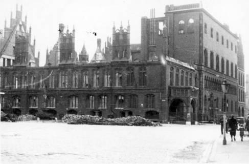 ARH Slg. Janthor 0035, Altes Rathaus am Kriegsende, Hannover, 1945