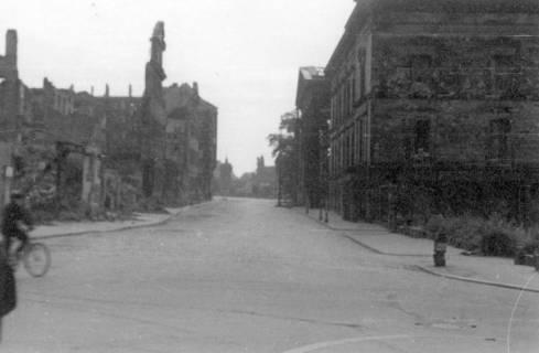 ARH Slg. Janthor 0042, Leinstraße am Kriegsende, Hannover, 1945