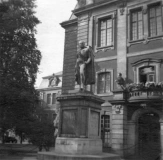 ARH Slg. Janthor 0055, Bronzestatue Carl von Alten, Hannover, 1945