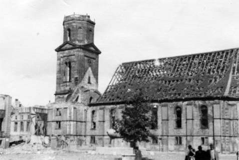 ARH Slg. Janthor 0057, Neustädter Markt und Kirche, Hannover, 1944