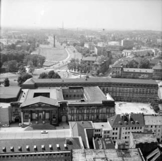 ARH NL Koberg 15, Blick von der Marktkirche auf das Leineschloss, 1962