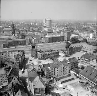 ARH NL Koberg 16, Blick von der Marktkirche über die Leine in Richtung Stadtkirche St. Johannis, 1962